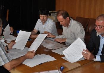 """Регистрация на  """"Сряда 7"""" в  Общинската избирателна комисия в Хасково."""